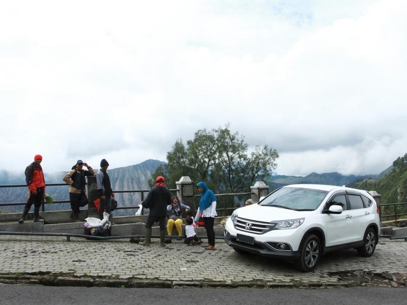 Bromo On Fire: TOURING SAMBIL BERWISATA
