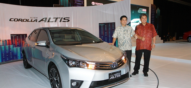 Launching Toyota All New Corolla Altis: COROLLA ALTIS SIAP GEBRAK PASAR SEDAN