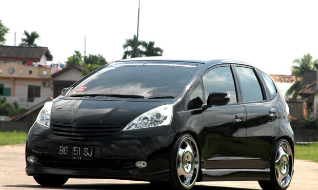 Lomba Modifikasi Turbo Honda Jazz